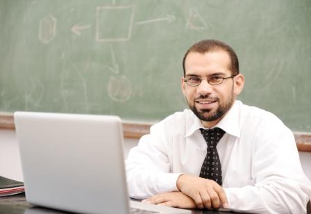 Teacher Studying Online to Earn Masters Degree